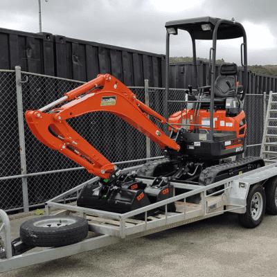 Kubota 1.7 MT Excavator (with 3 buckets & trailer)