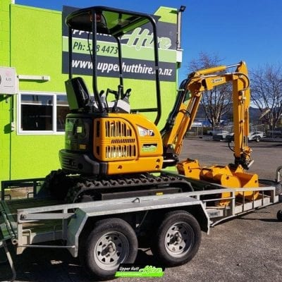 Upper Hutt Hire rent Kato excavator digger IHI kennards Hirepool