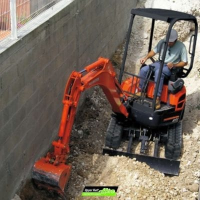 Upper Hutt Hire rent Borrow excavator Kubota Kato CAT digger bulldozer Kennards Hirepool